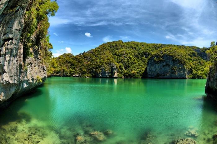 angthong-bluestars-lake