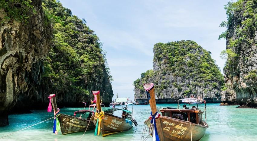 From Phuket airport to Karon, Kata or Patong beach