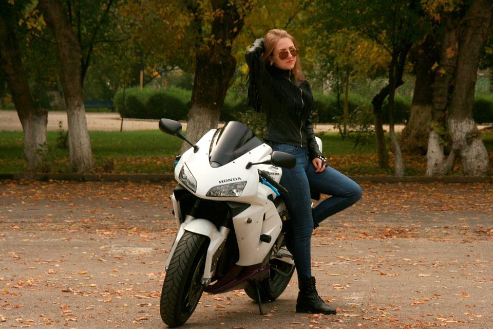 girl-1001869_960_720