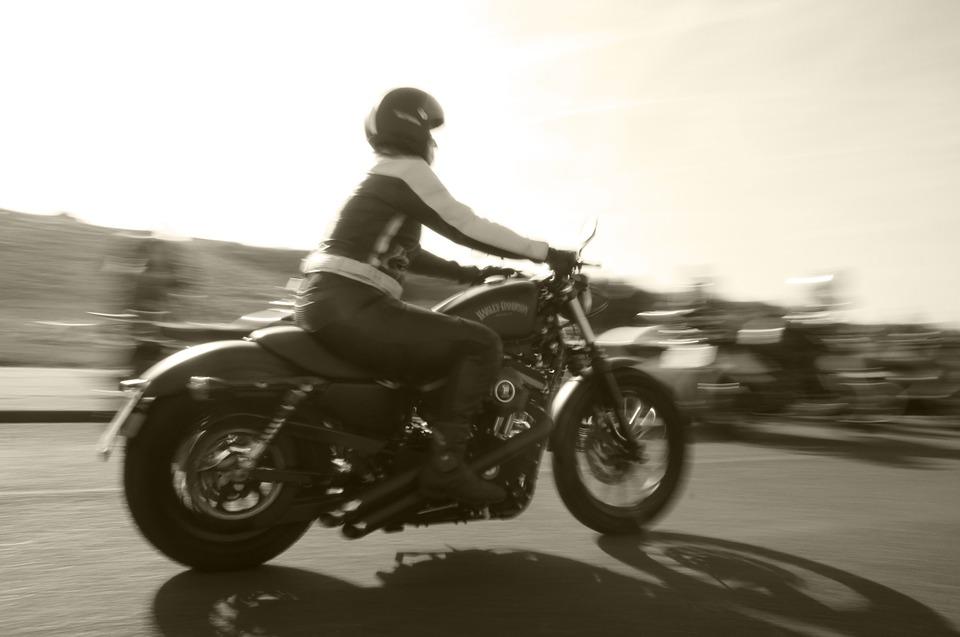 rider-817547_960_720