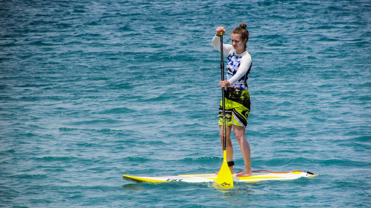 [4] paddling-board-sport-water