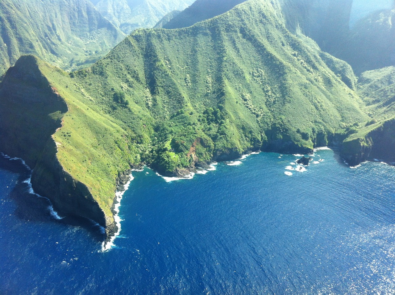[5] hawaii-molokai-cliffs-nature